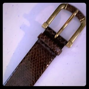 Michael Kors medium leather belt. Brown/gold.